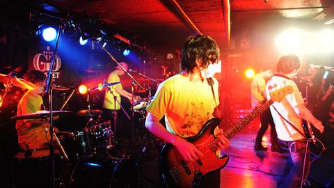 【湯毛も動揺?!】わくわくバンドがアー写撮影するも、ファンからのツッコミが鋭い。