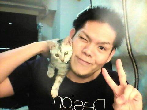 【悲報】とみえ、愛猫との別れがショックで「実況辞めます」【ツイートも全消し】