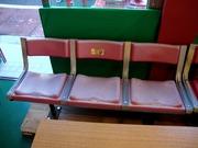 旧球場の椅子