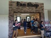 Fan Shop2