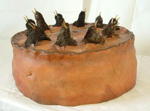 生きた鳥が飛び出てくるブラックバード・パイ