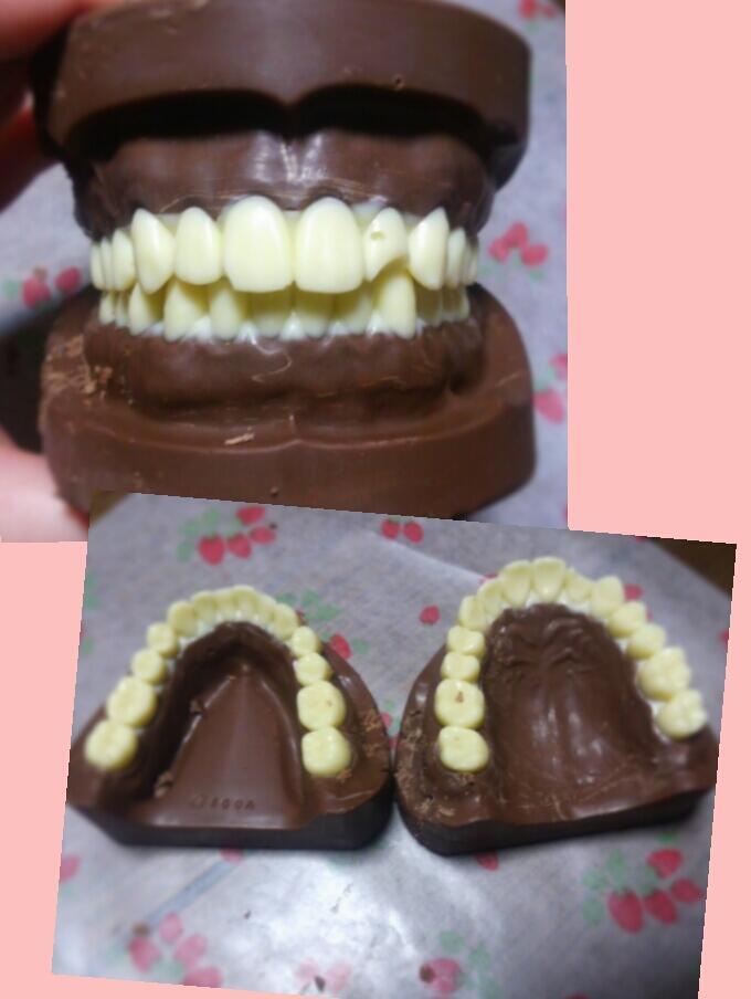 歯科系の学校に通ってるので入れ歯チョコです