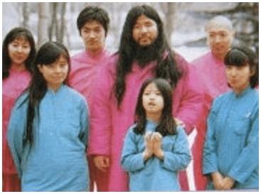 松本智津夫と家族.