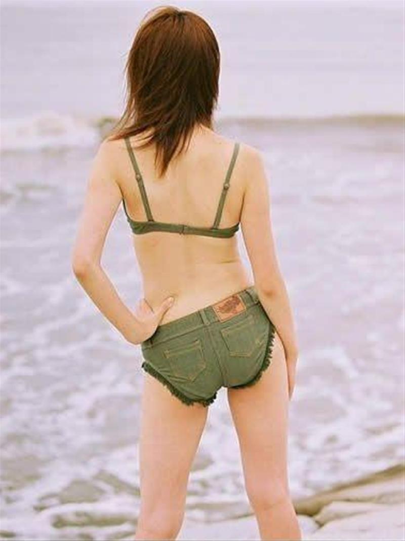 ビーチバレーでは極小水着を着る事が一流の証で、乳首や性器が露出する事は勲章らしい [無断転載禁止]©2ch.netYouTube動画>2本 ->画像>113枚