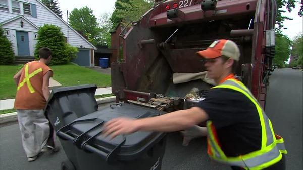 885166867-ゴミ回収-ゴミ収集車-道路清掃人-ゴミコンテナ