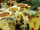 酒とピザ。