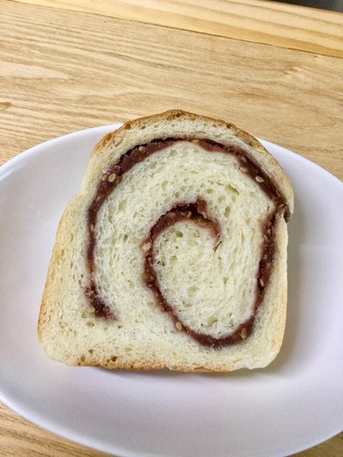 ■180705ごまあん食パン