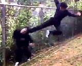 中学生が殴る蹴るの暴行動画が拡散された騒動、教育委員会の発表に驚き