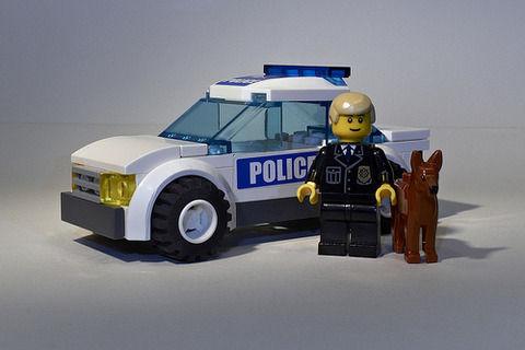 高卒警官、40歳で年収800、週休二日、リストラ無し