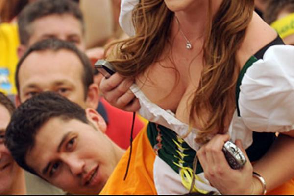 【ボッキ注意】ドイツの激エロおっぱい民族衣装ディアンドルの画像貼っていく