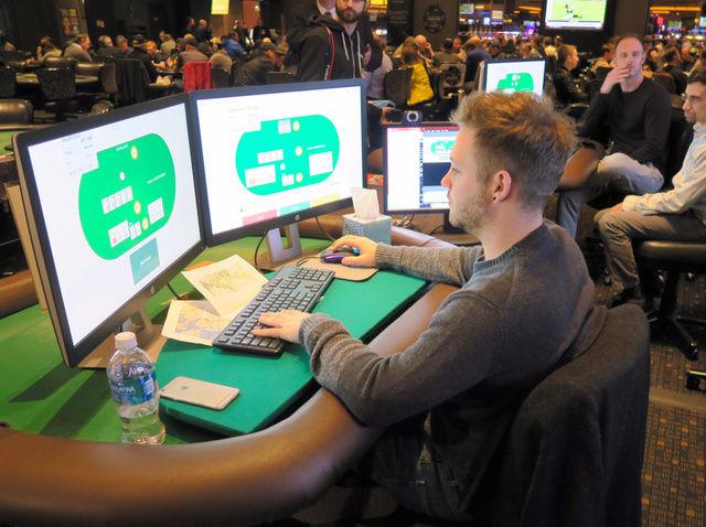 AI、運に左右される「ポーカー」でトッププロ4人に圧勝、2億円以上のチップを獲得