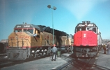 DDA40X w/circus train and Amtrak