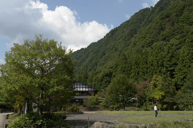 吉野工芸の里と御仏供杉(おぼけすぎ)