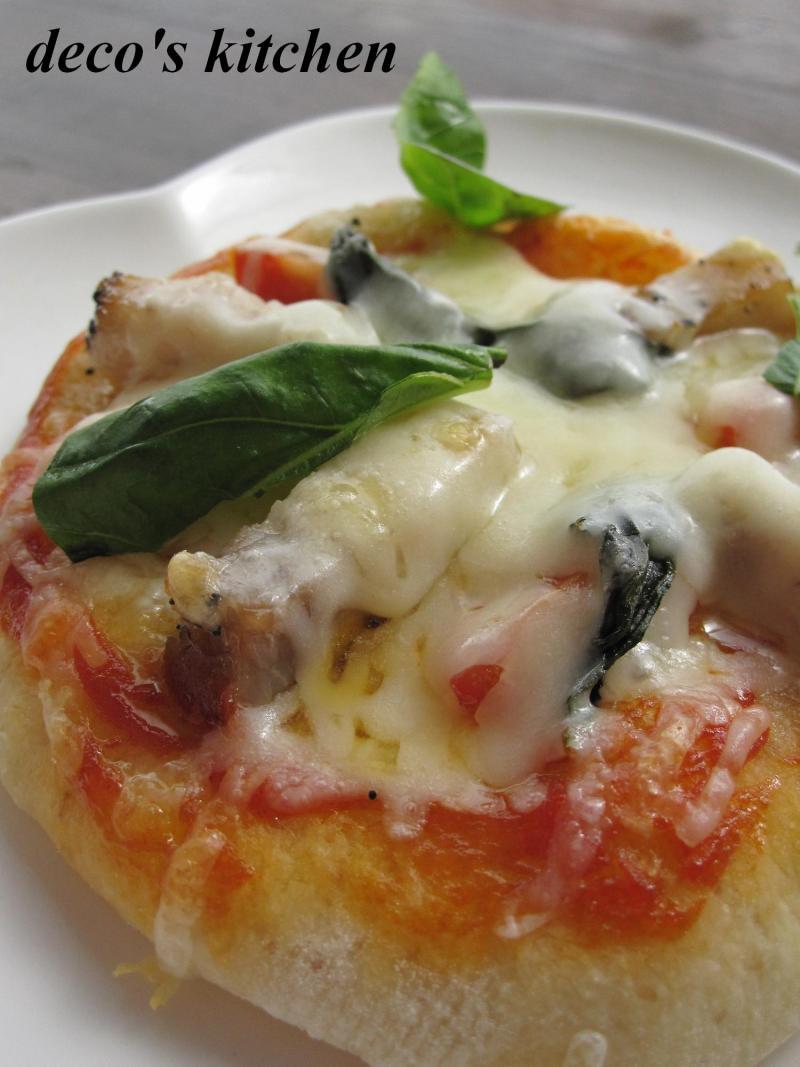 decoの小さな台所。-ピタパン生地でふんわりピザ3