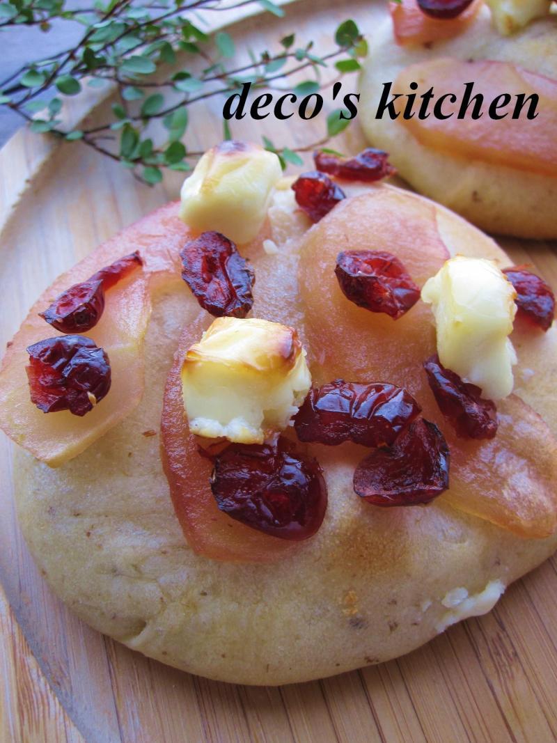 decoの小さな台所。-りんごとクリチとプルーンのデザートピザ6