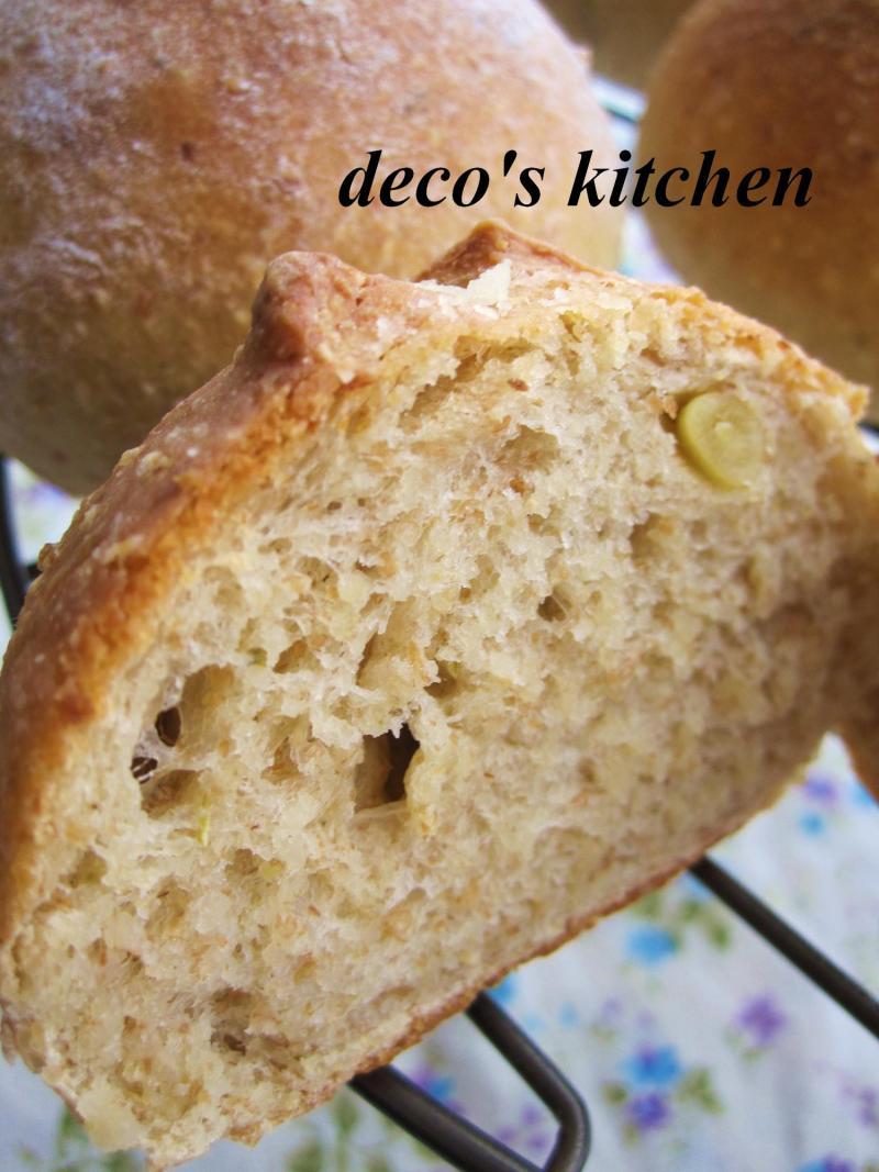 decoの小さな台所。-松の実の全粒粉パン6