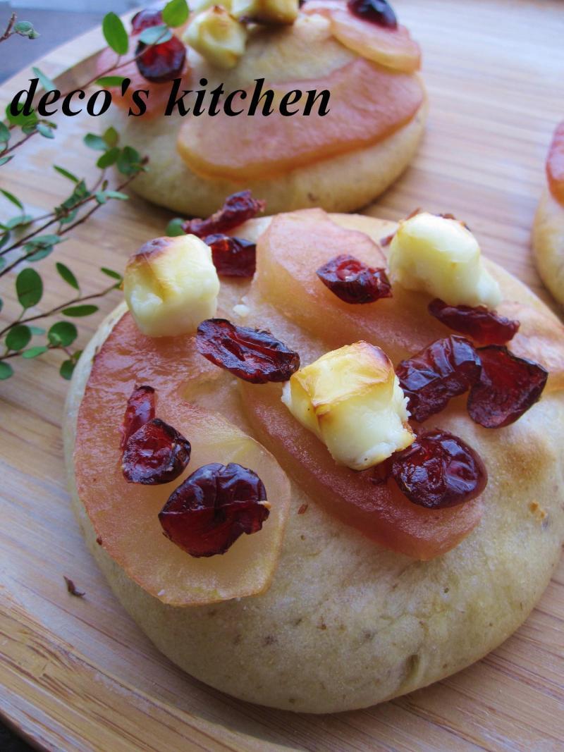 decoの小さな台所。-りんごとクリチとプルーンのデザートピザ5