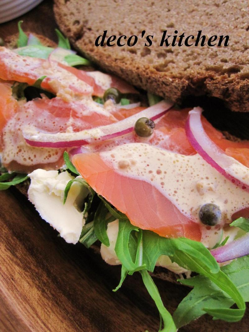 decoの小さな台所。-ドイツパンとスモークサーモン4