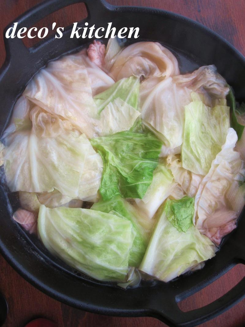 decoの小さな台所。-常春キャベツとせせりの、塩生姜鍋1