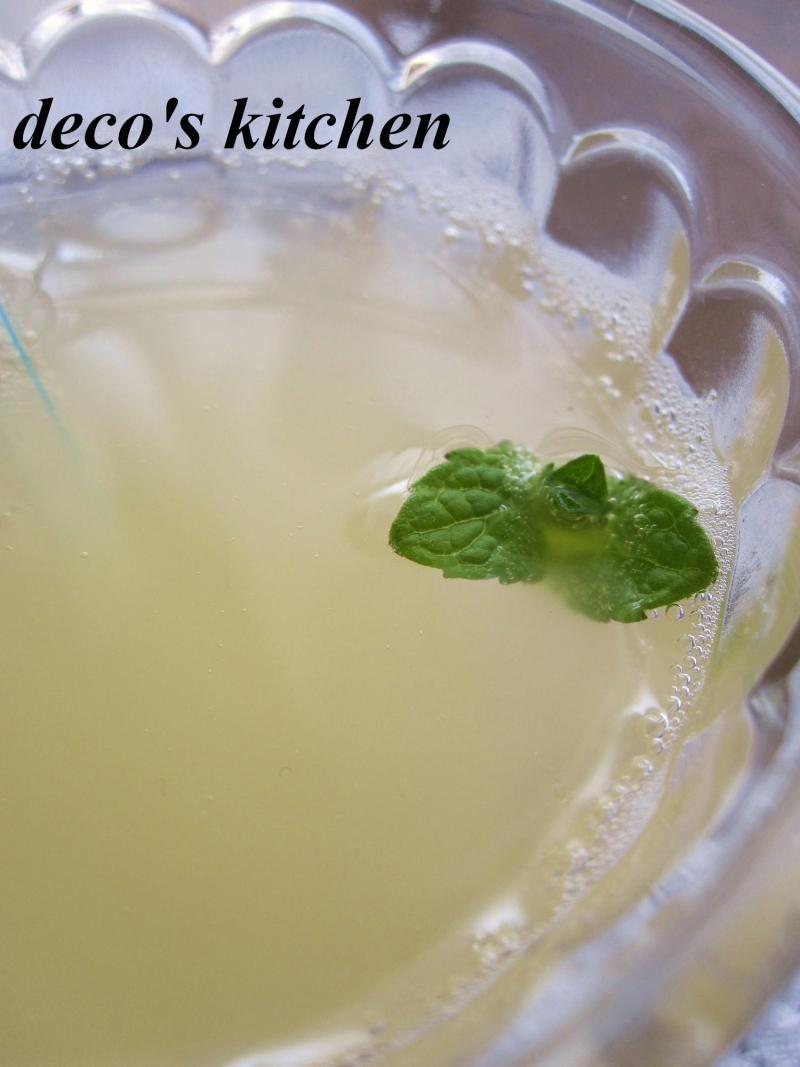 decoの小さな台所。-微炭酸りんごジュース3