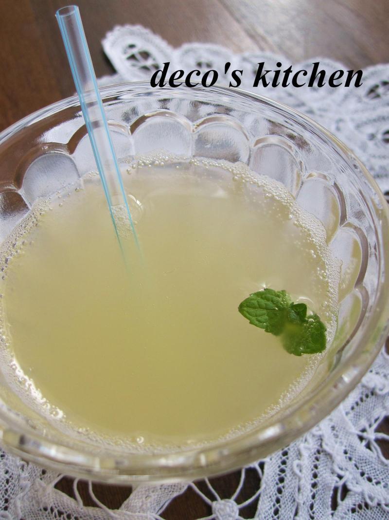 decoの小さな台所。-微炭酸りんごジュース2