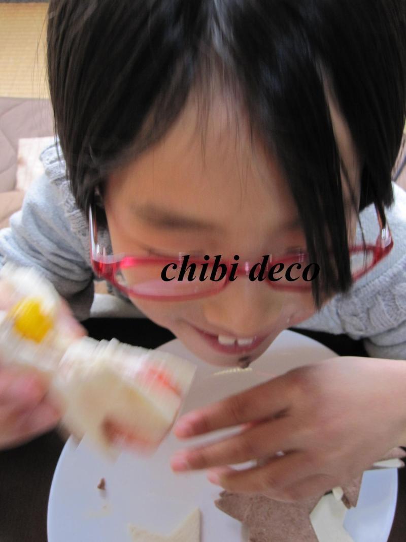 decoの小さな台所。-ちびdecoとケーキ1