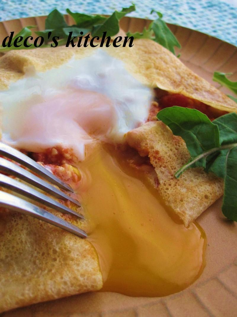 decoの小さな台所。-全粒粉でガレットトマトソース5