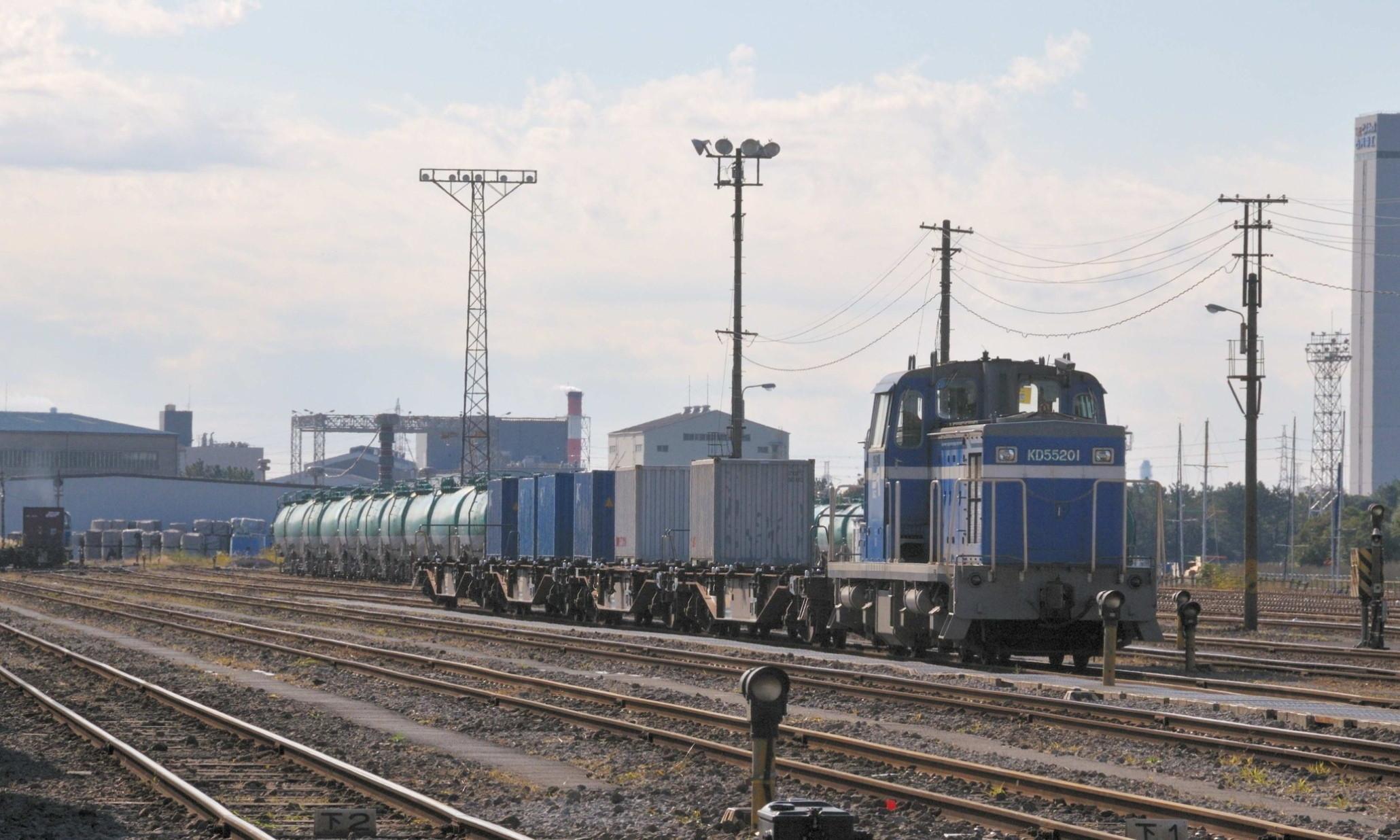 Keiyo_Rinkai_Railway_KD55_201