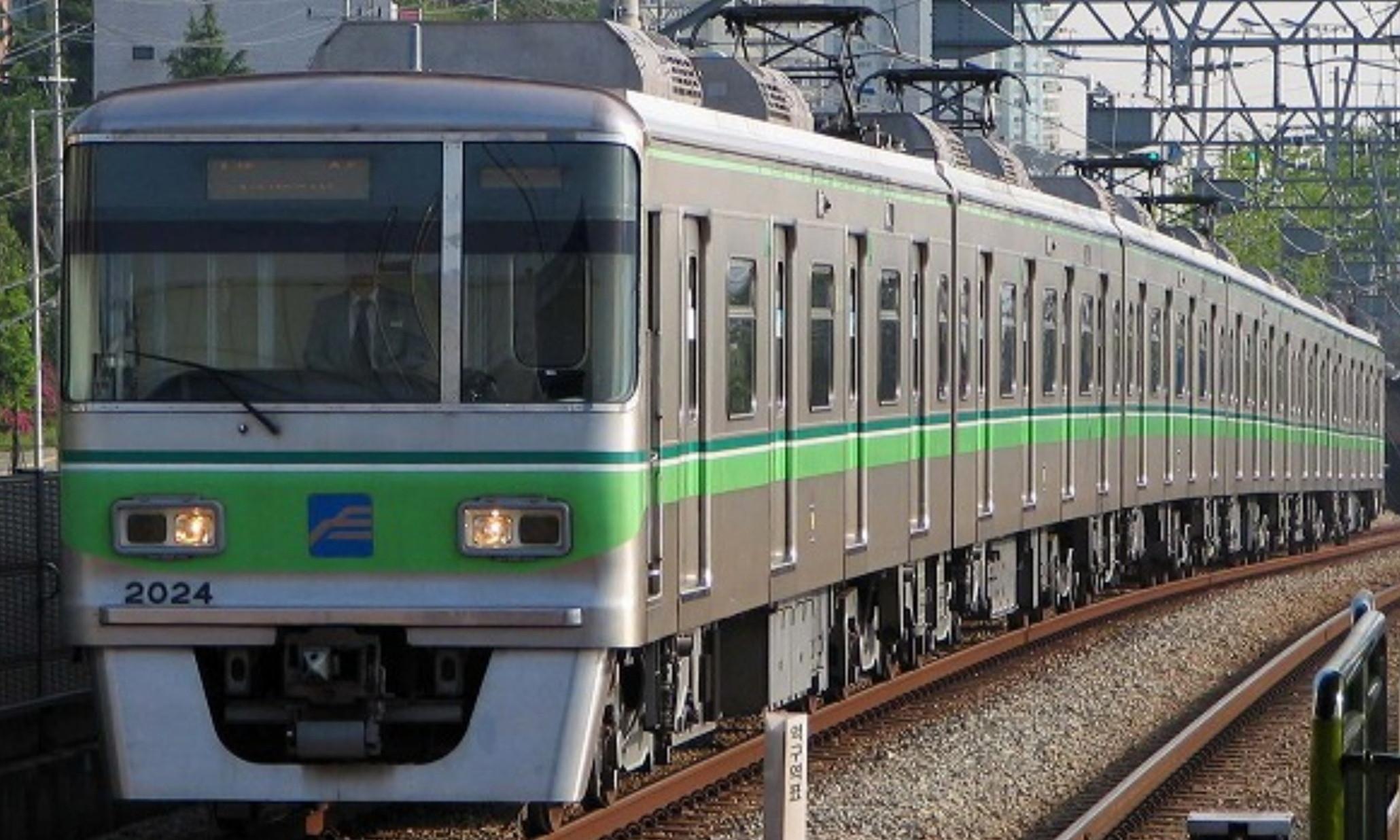 Busan_Metro_Line_2_2000_Series