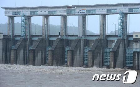 北朝鮮のダム放流でバ韓国塵がたくさんタヒにますように