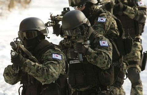 前任者のお下がりしか貰えないバ韓国軍wwww