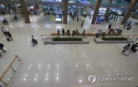 閑古鳥状態www バ韓国の空港www