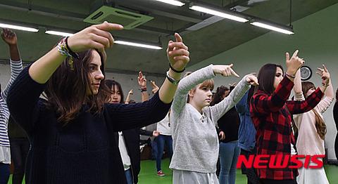 やるきナッシングの練習風景www