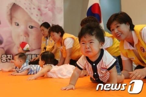 韓国塵は赤子の時から醜すぎる