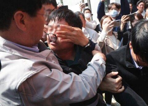 バ韓国工事火災。遺族様どもに暴行される社長