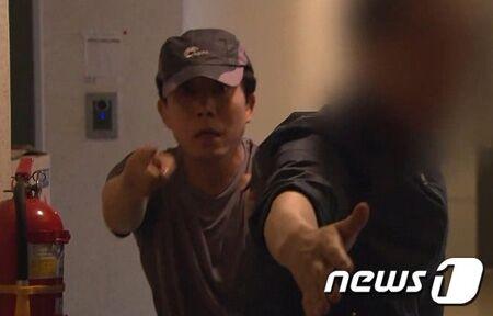 バ韓国の脱北者団体・お前に食わせる糞尿はないニダ
