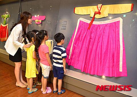 キチガイ教育に余念のないバ韓国