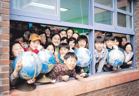 奇形児しか存在しないバ韓国の学校