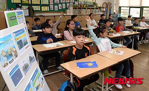 キチガイを量産しているバ韓国の小学校