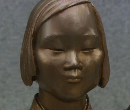 バ韓国中に乱立している売春婦像