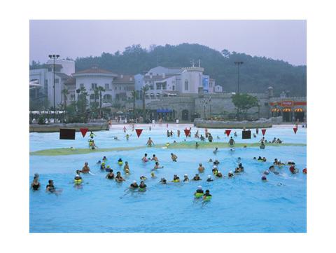 大腸菌まみれのバ韓国のウォーターパーク