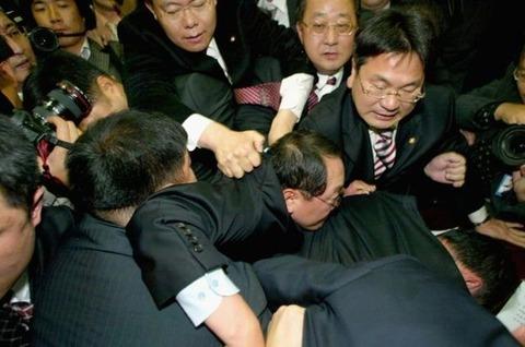犯罪者しか存在しないバ韓国の国会議員