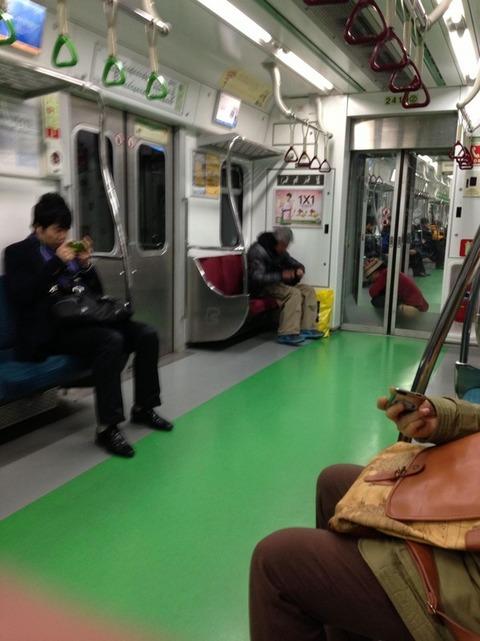 韓国、電車の風景