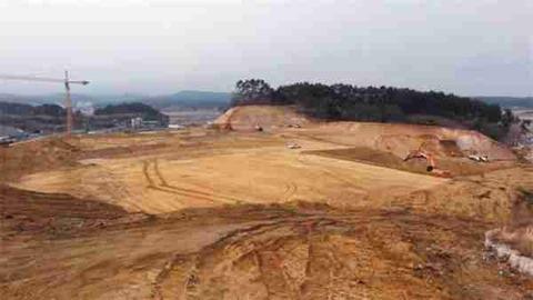 未だ整地すら終わっていない平昌五輪スピードスケート会場の建設現場