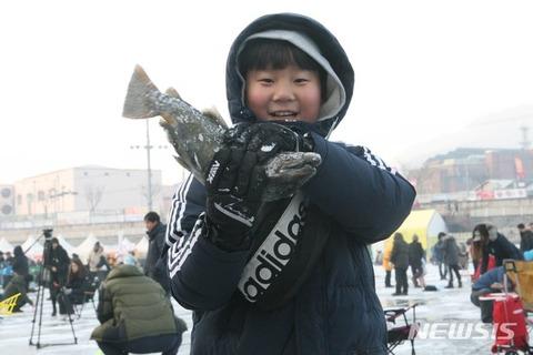 釣り目エラ張りの典型的バ韓国塵顔