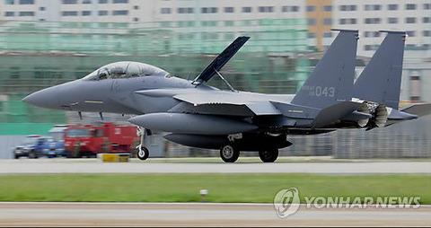 敵機に撃墜されるために飛び立つのがバ韓国F15K