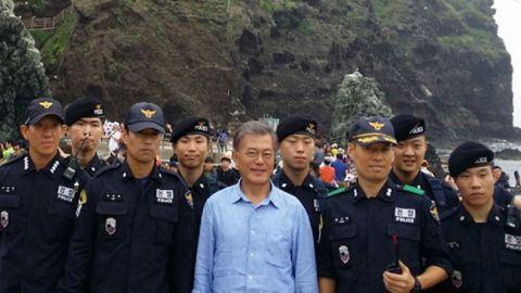 竹島に不法上陸したバ韓国次期大統領候補