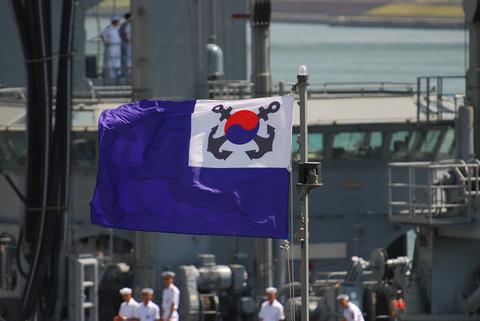 船も乗組員もポンコツ欠陥品だらけの韓国海軍