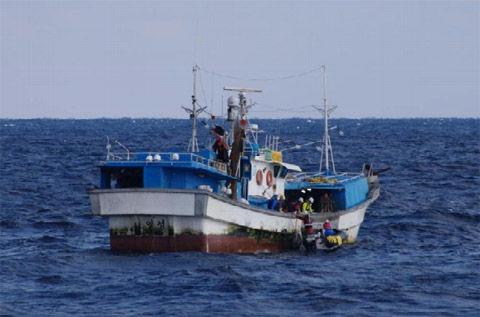 バ韓国の漁船は見かけ次第沈めるのが正解