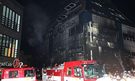 バ韓国のビル火災で29匹が死亡